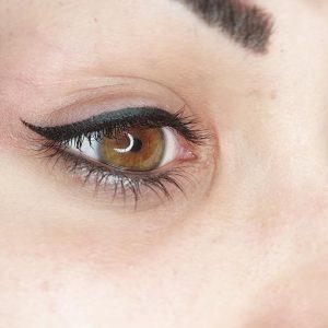viktoria-logoida-occhi-eyeliner-grafico-01