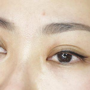 viktoria-logoida-occhi-eyeliner-grafico-02